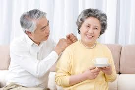 tinh dầu thiên nhiên dành cho người cao tuổi