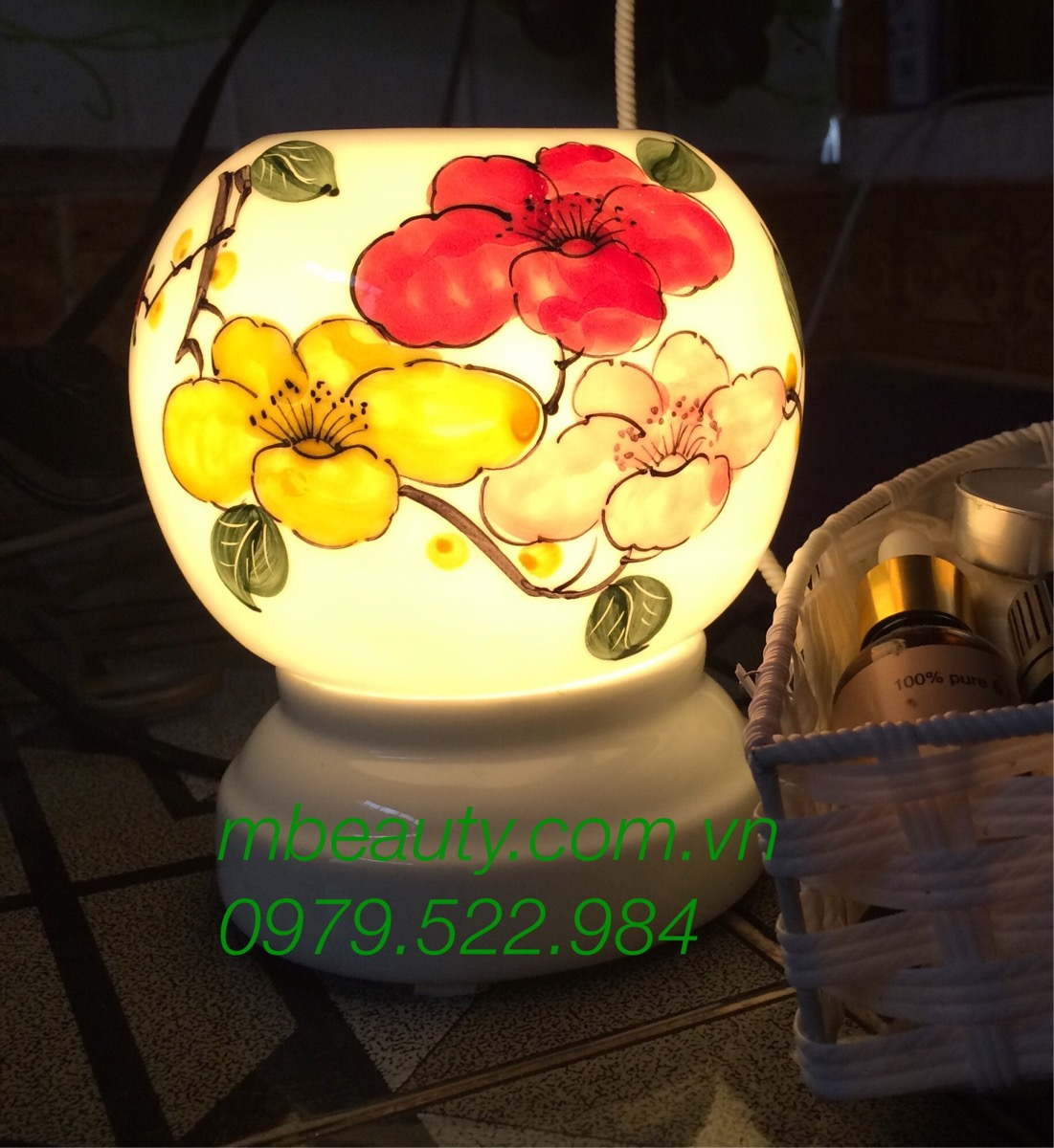 Đèn xông tinh dầu gốm ba hoa